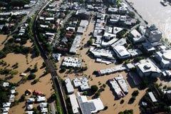 Hom van de Mening van Januari 2011 van de Vloed van de Rivier van Brisbane de Lucht Royalty-vrije Stock Fotografie