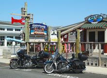 Homar restauracje i pamiątkarscy sklepy w historycznym Prętowym schronieniu, Maine obrazy stock