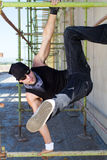 Hombre activo del salto de la cadera Fotografía de archivo