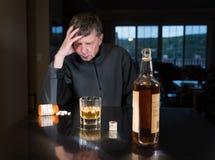 Hombre adulto caucásico mayor con la depresión Foto de archivo libre de regalías