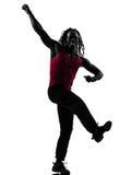 Hombre africano que ejercita la silueta del baile del zumba de la aptitud Foto de archivo