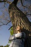 Hombre al aire libre que se relaja Imagen de archivo libre de regalías