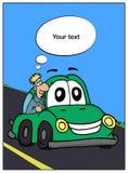 Hombre alegre en el coche verde en el camino Fotografía de archivo