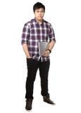 Hombre asiático que sostiene el ordenador portátil Imágenes de archivo libres de regalías
