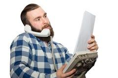 Hombre barbudo en un fondo blanco fotografía de archivo libre de regalías