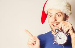 Hombre barbudo hermoso, Año Nuevo, fondo de la Navidad Imagen de archivo