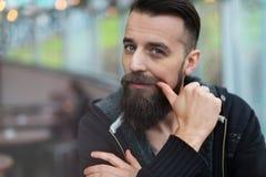 Hombre barbudo joven Imagen de archivo libre de regalías