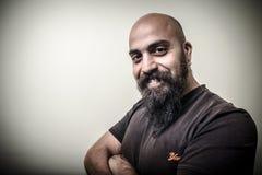 Hombre barbudo sonriente Imagenes de archivo