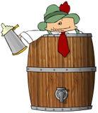 Hombre borracho en un barril de cerveza Fotos de archivo