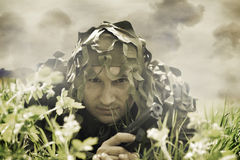 Hombre camuflado militar Foto de archivo libre de regalías