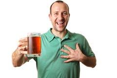 Hombre cariñoso de la cerveza Imagenes de archivo