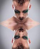 Hombre casual dual al revés con maquillaje foto de archivo libre de regalías