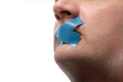Hombre censurado con la cinta azul Fotografía de archivo