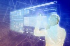Hombre cibernético en blanco usando indicador digital aumentado de la realidad Fotos de archivo