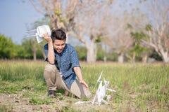 Hombre con el abejón estrellado fotografía de archivo libre de regalías