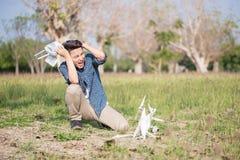 Hombre con el abejón estrellado fotos de archivo libres de regalías