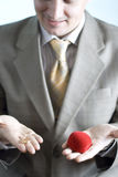 Hombre con el anillo de bodas foto de archivo libre de regalías