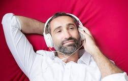 Hombre con el auricular Foto de archivo libre de regalías