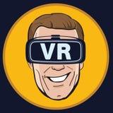 Hombre con el icono de los vidrios de la realidad virtual Foto de archivo libre de regalías