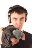 Hombre con el micrófono imagen de archivo libre de regalías