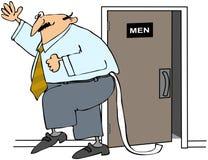 Hombre con el papel higiénico fuera de sus pantalones Imágenes de archivo libres de regalías