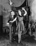 Hombre con el pointe del en de la bailarina (todas las personas representadas no son vivas más largo y ningún estado existe Garan Fotos de archivo libres de regalías