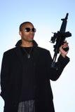 Hombre con el rifle de asalto fotos de archivo libres de regalías