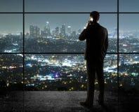 Hombre con el teléfono Foto de archivo
