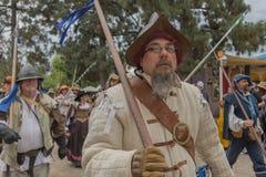 Hombre con el traje medieval Fotografía de archivo libre de regalías