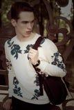 Hombre con estilo joven outdoor Fotos de archivo