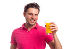 Hombre con Juice Isolated On White Background Fotografía de archivo
