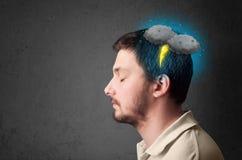 Hombre con la cabeza del relámpago de la tempestad de truenos Foto de archivo libre de regalías
