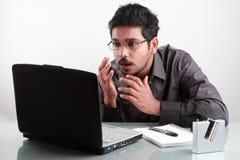 Hombre con la expresión dada una sacudida eléctrica fotografía de archivo libre de regalías