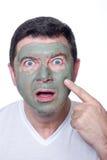 Hombre con la máscara de la belleza fotos de archivo