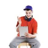 Hombre con la tableta de la PC Foto de archivo libre de regalías