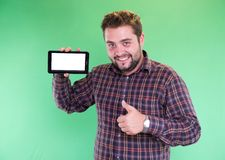 Hombre con la tableta en su mano Fotografía de archivo