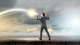 Hombre con la trompeta fotografía de archivo