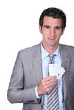 Hombre con las tarjetas del póker Fotos de archivo libres de regalías