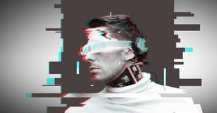 Hombre con los vidrios y los sensores futuristas imagenes de archivo