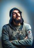 Hombre con un fondo hermoso de la barba y de la falta de definición con los puntos Imágenes de archivo libres de regalías