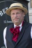 Hombre con un sombrero de paja. Imagen de archivo