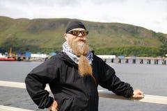 Hombre con una barba larga fotografía de archivo