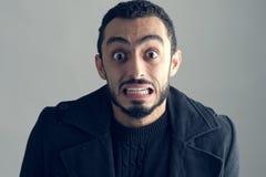 Hombre con una expresión facial sorprendida Fotos de archivo libres de regalías