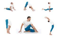 Hombre de Group.active que hace actitudes de la aptitud de la yoga Imagenes de archivo