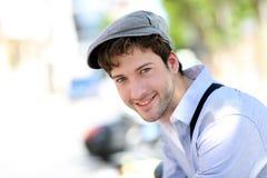 Hombre de la calle de moda joven Foto de archivo