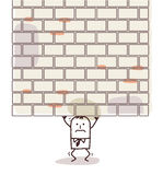 Hombre de la historieta machacado debajo de una pared pesada Foto de archivo libre de regalías