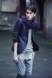 Hombre de la moda de los jóvenes en ropa de sport Fotos de archivo libres de regalías