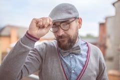 Hombre de la moda en corbata de lazo Imágenes de archivo libres de regalías