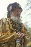 Hombre de la montaña en el traje lleno en otoño, Waterloo, NJ foto de archivo libre de regalías