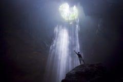 Hombre de las cavernas fotos de archivo